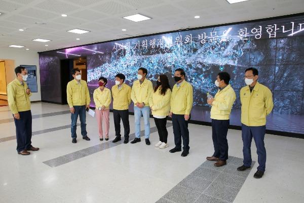 기획행정위원회 박정희대통령역사자료관 방문 1.jpg
