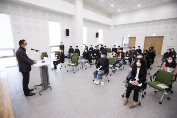 [일자리경제과] 구미청년 상상나래+ 정책참여단 청년소통간담회 개최3.jpg