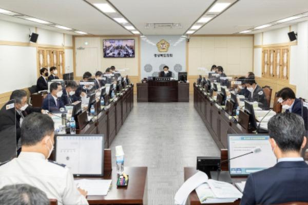 2021.05.03 제323회 임시회 예결특위_8.jpg
