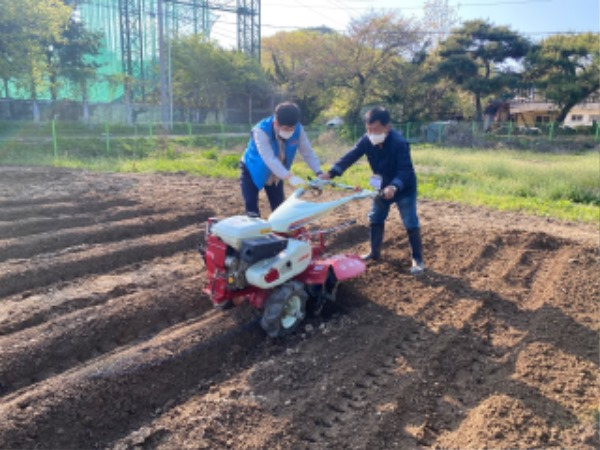 (7-2)농업기계_안전수칙_준수(2).jpg