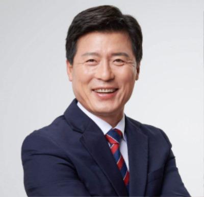 구자근 구미갑 국회의원(상반신).jpg
